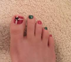 red and green present pedicure i did for christmas my nail art