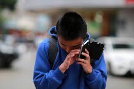 Blind People Phone Smartphones Help Blind People See The World Business