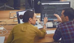 gehalt designer designer gehalt infos zum verdienst als designer