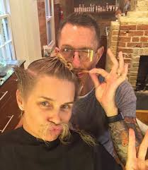natural color of yolanda fosters hair yolanda foster chops off all of her hair see the dramatic new look