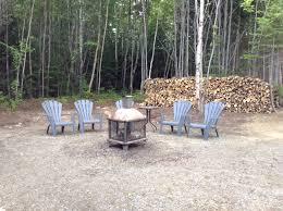 spa d exterieur bois chalet à louer charlevoix le boréal du massif spa sauna table de