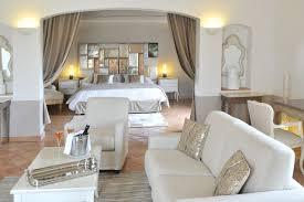 hotel dans le var avec dans la chambre hôtel 5 étoiles var les chambres suites raffinées du château de