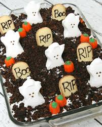 Diy Halloween Cakes by Halloween Oreo Poke Cake