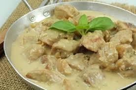 cuisiner du sauté de porc sauté porc facile en ragoût aux fourneaux