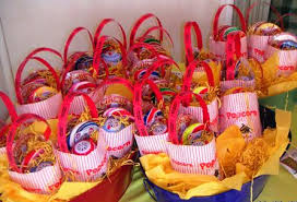carnival party supplies carnival theme birthday party los angeles send in the clowns