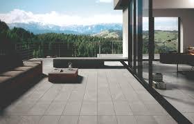 carrelage grand format pour piscine pin by moncarro com on carrelage extérieur pour terrasses et tour