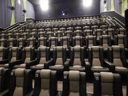 now open new sevierville movie theater governor u0027s crossing