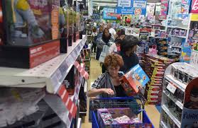 toys r us thanksgiving day sale toys u201cr u201d us lays off 10 15 of corporate employees wsj