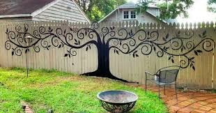 Backyard Fence Decorating Ideas Best Backyard Fence Decorating Ideas 15 Who Took Their