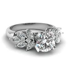 marquise diamond engagement rings get engagement rings with marquise accents fascinating diamonds