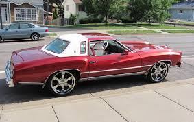 76 monte carlo 2nd car switch the colors body was white with the