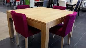 table et chaises salle manger rupture des couleurs pour un intérieur design 4 pieds tables
