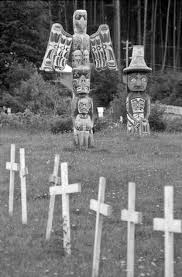 mortuary poles and graves of the first nations of the pacific