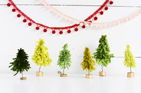 diy mini yarn christmas trees