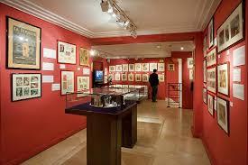 chambre d hote erotique un des 7 étages du musée de l erotisme de photo de musée de