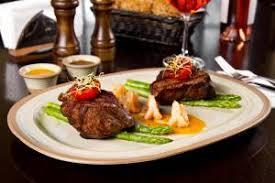 metro detroit restaurants serve up thanksgiving feasts metro