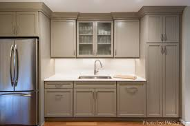 Mocha Kitchen Cabinets by What Color Are Those Cabinets Are They Showplace Light Mocha