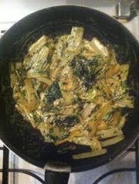 comment cuisiner les blettes marmiton blettes sautées à l ail et à la crème recette marmiton ail et
