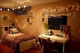 Vintage Bedroom Decorating Ideas by Vintage Master Bedroom Decor Two White Table Lamp Bedside Polka