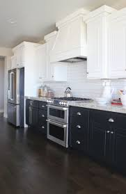 Having A Moment Navy And White Kitchen Cabinets Lauren Nelson - Navy kitchen cabinets
