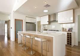 cuisine plancher bois plancher cuisine bois cornor cuisine fini avec armoire