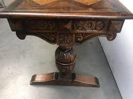 bureau de style table bureau de style renaissance en chêne bois matériau bois