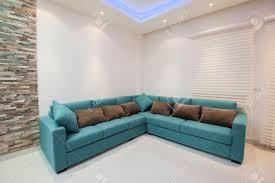 canapé d angle de luxe canapé d angle avec coussins en appartement de luxe salon banque d