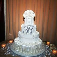 wedding cake jewelry 45 best top o the cake images on monogram cake