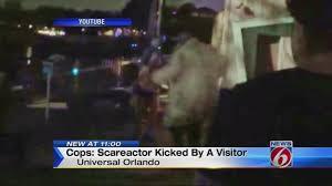 halloween horror nights hurricane matthew halloween horror nights actors quit after attacks