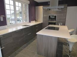 cuisine bois gris moderne cuisine bois et blanc laqu cuisine blanc laqu et bois with