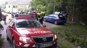 Feuerwehr Bad Hersfeld Auto Drohte In Friedlos Auf Die B 27 Abzustürzen Ludwigsau