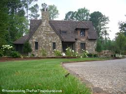 cottage style homes top 10 cottage photos the homebuilding remodel guide