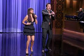 jimmy fallon and rashida jones sing favorites on tonight