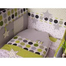 theme etoile chambre bebe tour de lit gigoteuse thème étoiles et pois réalisés selon vos