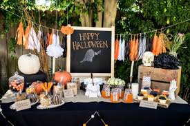 Cheap Party Centerpiece Ideas by Halloween Table Decoration Cheap Party Decorations Skeleton