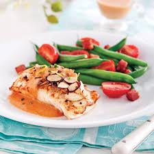filets de poisson avec sauce rosée et amandes soupers de semaine