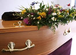 funeral flower etiquette 10 funeral etiquette every guest should follow funeral