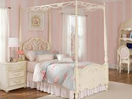 King Size Canopy Beds 25 Masterpiece Full Size Canopy Bed Frame Subuha