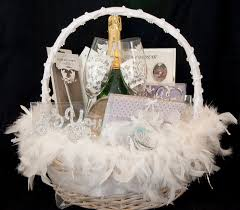 wedding baskets wedding gift basket http www surnamecrest gift ideas