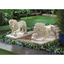 amazon com set of 2 stately lion statue duo driveway entrance