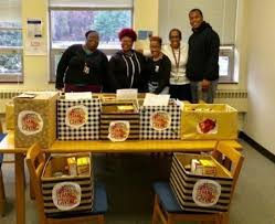 manor college honors thanksgiving by helping families in need