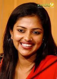 tropical cuties dely set mynaa actress amala paul pressmeet00 21 kerala9 com