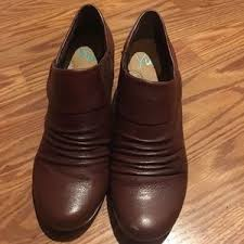 womens boots yuu s yuu boots on poshmark