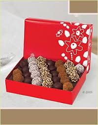White Chocolate Dipped Strawberries Box This Is Our Tropical Daisy The Chocolate Dipped Fruit Peices Are