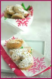 german vanilla crescent advent biscuits oktoberfest trachten