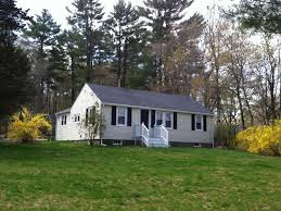 lovely ranch on spacious lot centrally located boston new york