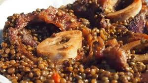 cuisiner le jarret de boeuf jarret de boeuf à la bourguignonne et lentilles recette par schotzy