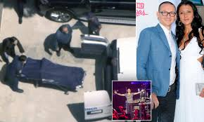 chester bennington u0027s body removed from his california home daily