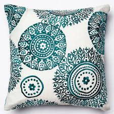 Sofa Decorative Pillows by Best 25 Teal Throw Pillows Ideas Only On Pinterest Turquoise