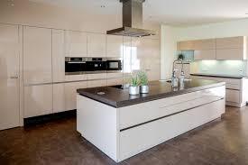 Wohnzimmer Weis Holz Modernes Haus Moderne Weiße Küche Mit Holz Moderne Wohnkche Weiss